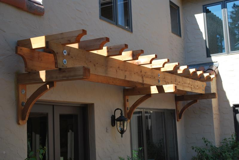 Cantilevered Redwood Trelice